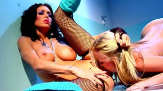 Two trashy bitches Jessica Jaymes and Madison Scott please each other in a_dirty lesbian games image