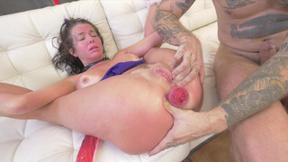 Veronica Avluv gets her prolapsed anus stuffed_with_long cock image