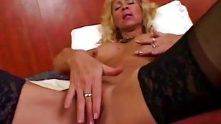 Mature Bodybuilder Blows And Rides Long Schlong image