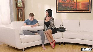 Image: Queen milf veronica avluv loves some step-son cock