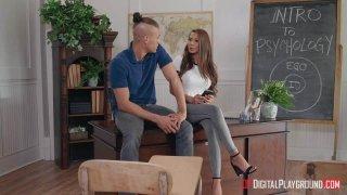 The Ex-Girlfriend: Episode 2 image