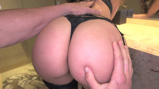 Remy LaCroix gets her big ass worshipped_in the bathroom image