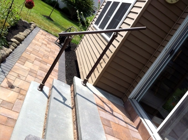 15 Customer Railing Examples For Concrete Steps | Steel Handrails For Concrete Steps
