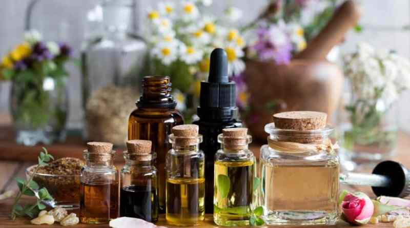 Essential Oils for Glowing Face: What's in a Formula?