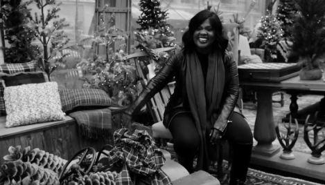 CeCe Winans -It's Christmas