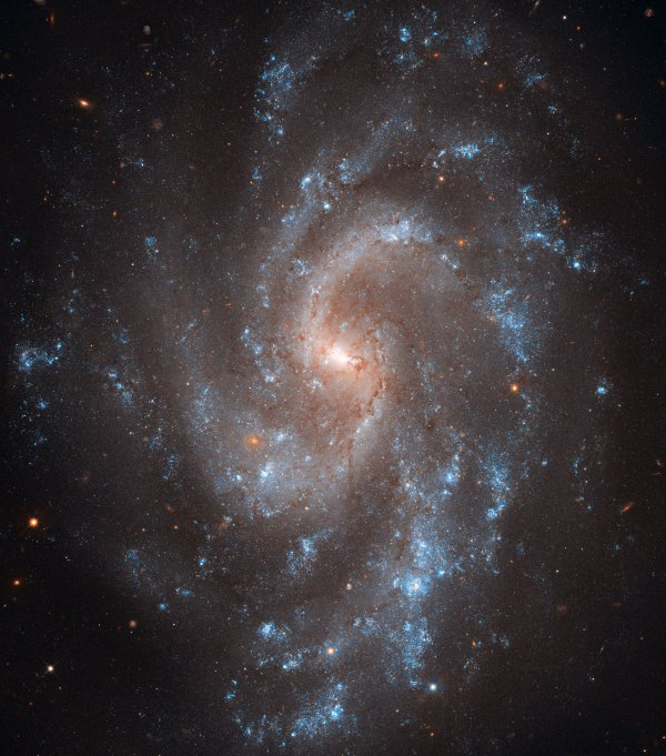Spiral key to Universe's expansion | ESA/Hubble