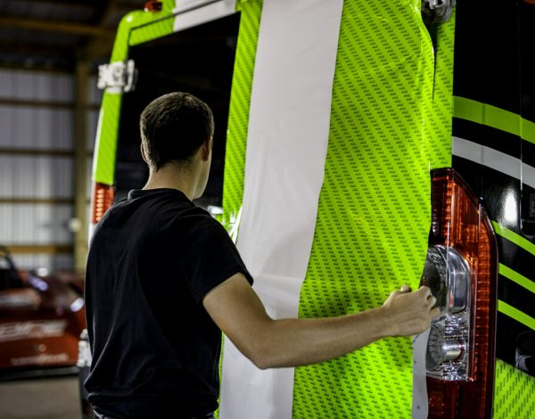 3M launches new print wrap film and overlaminate for commercial vehicles