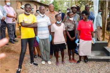 President Uhuru visits humble Siaya family