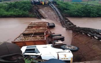 Ministry to install modular bridge at Riat, says Wanga