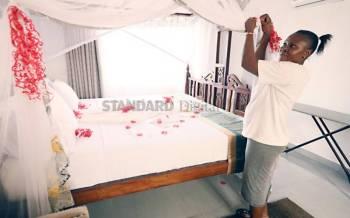 Couples defy rains, horrid Covid-19 to celebrate love