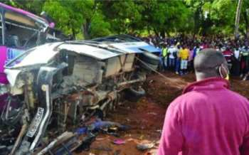 18 killed in two road crashes