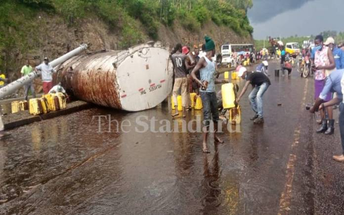 Mfmzkh1Dmta2Cz607Efb95Cfcbc Two Injured As Molasses Truck Collides With Guardian Bus In Kisumu [Photos]