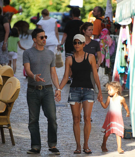 Olivier_martinez_halle_berry_nahla_spain_