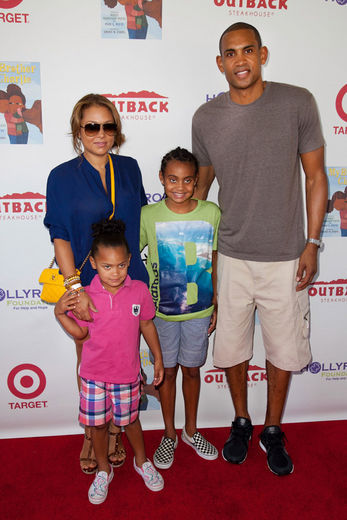 Holly-robinson-peete-and-family-sg