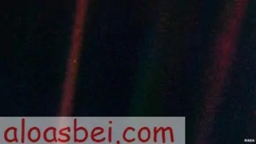 কার্ল সেগানের ফেকাসে নীল বিন্দু (Pale blue dot)aloasbei.com