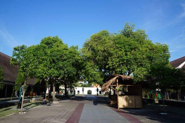 Bagian tengah Benteng Vredeburg yang penuh sejarah.