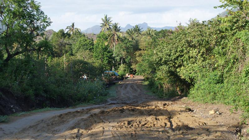 Semoga jalan ini sudah diperbaiki jika lewat lagi nanti ^^