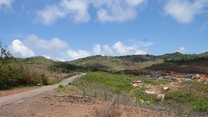 Penambangan Emas liar, menjadi mata pencaharian penduduk Sekotong