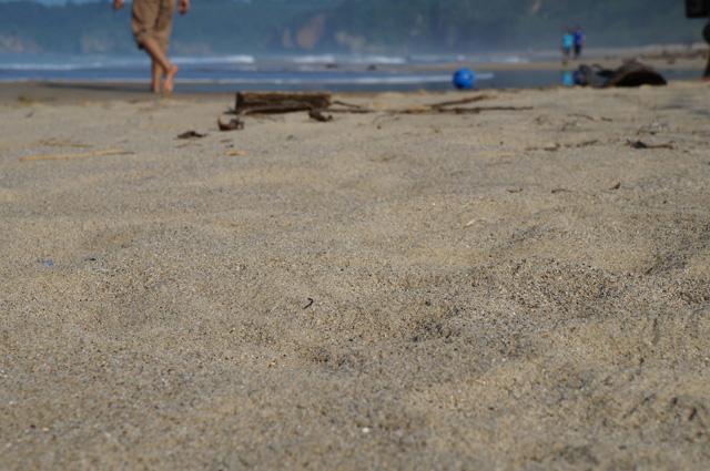 Pasir Pantai Sawarna Beach Sukabumi seperti ini memang selalu menggoda buat saya :p