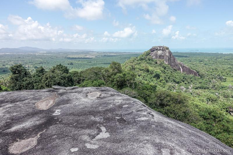 Pemandangan Belitung dari Puncak Bukit Baginde