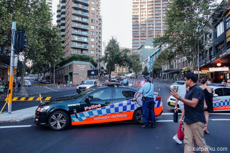 Penjagaan Polisi begitu ketat, seperti pada festival yang lain
