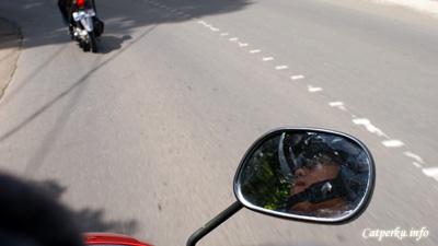 Sepeda motor menjadi transportasi yang paling efisien ketika liburan ke Bandung. Dengan sepeda motor jelajah tempat wisata Bandung jadi lebih mudah.