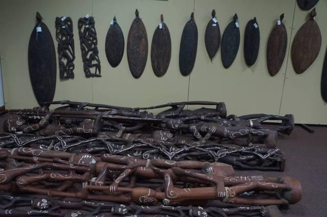 Ukiran, totem, patung asli Papua bisa dibeli di Jakarta!
