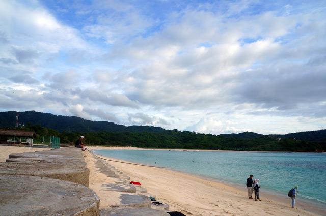 Yes, ini dia Pantai Maluk yang paling terkenal dari pantai - pantai yang lain disekitarnya.