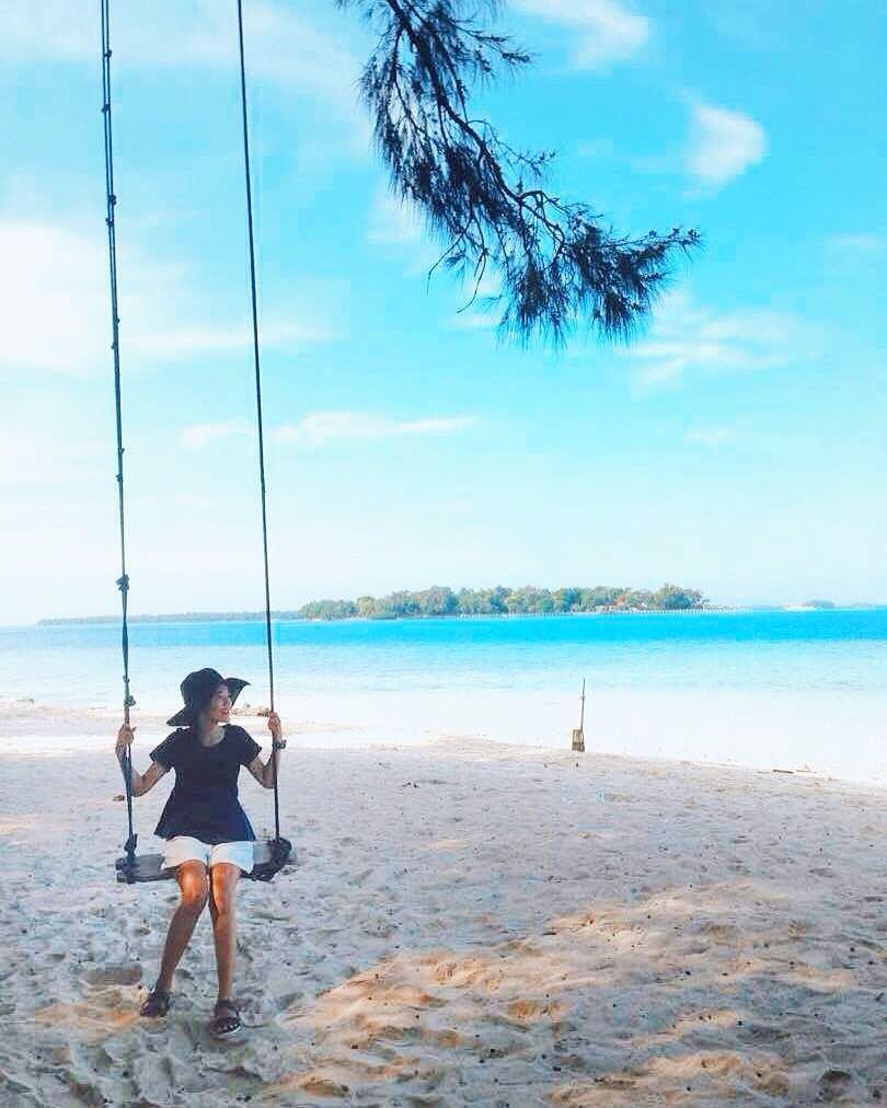 1. Thousand Islands Jakarta day trip Destination : Perak Island! via @gemini_traveling