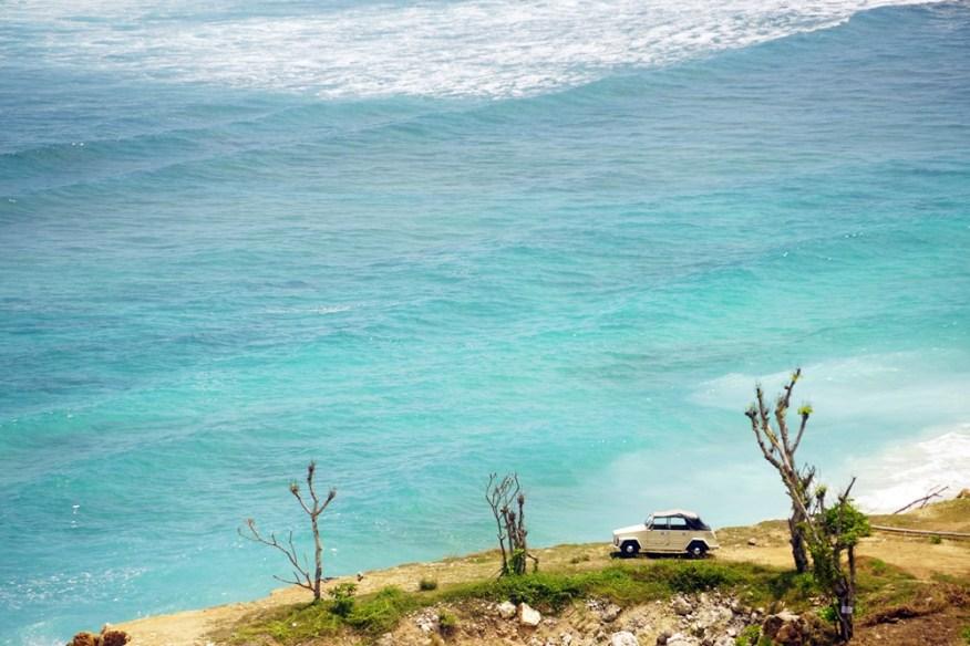 5 Spot Foto Terbaik di Pantai Melasti