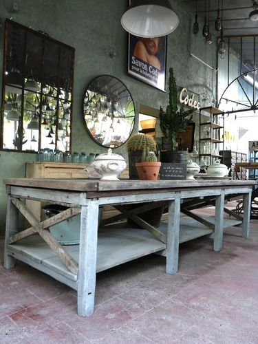 tres grande table basse etabli industriel