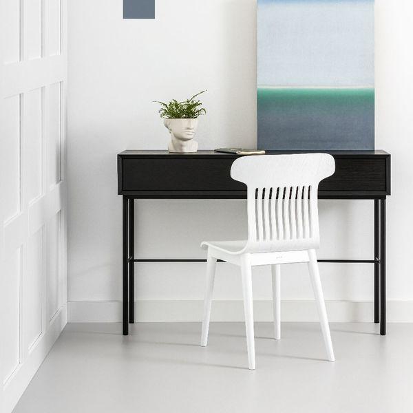 console minimaliste noire