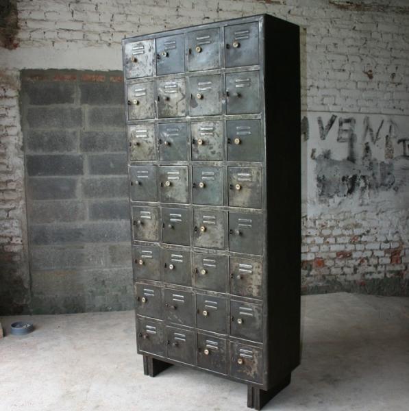 armoire industrielle casiers meuble