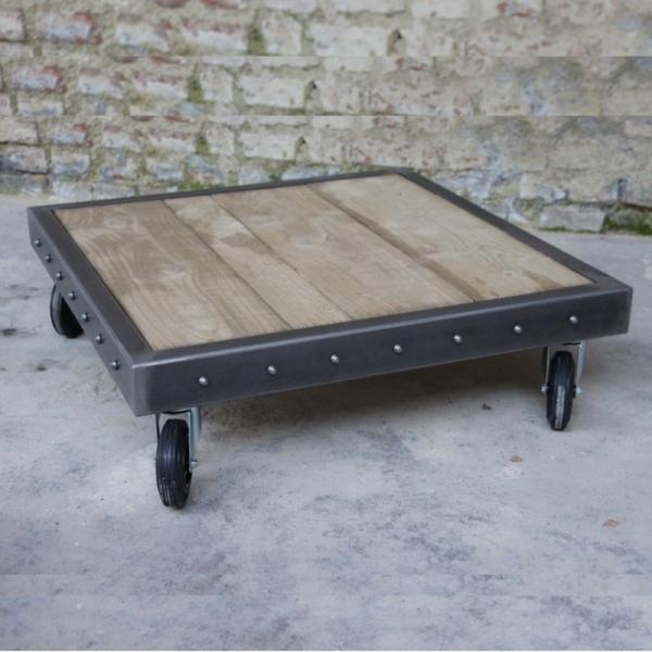 table palette avec rivets