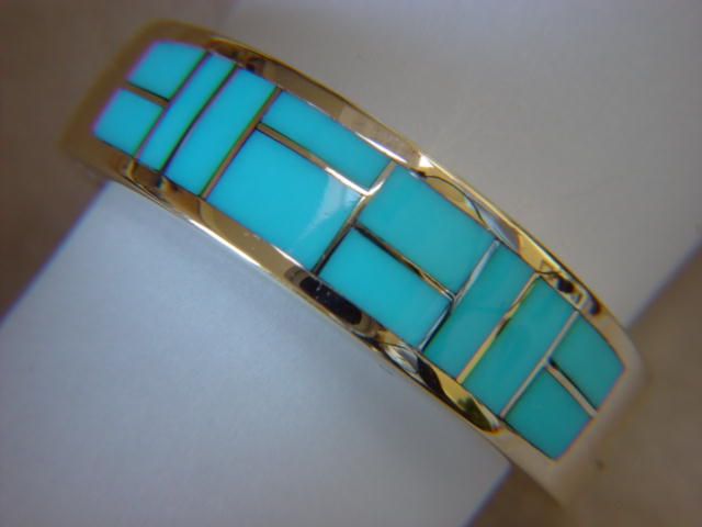Sleeping Beauty Turquoise Inlay In 7mm Wide 18 Karat Gold