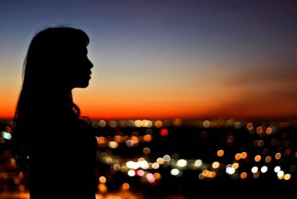 Potret Wanita Diujung Senja