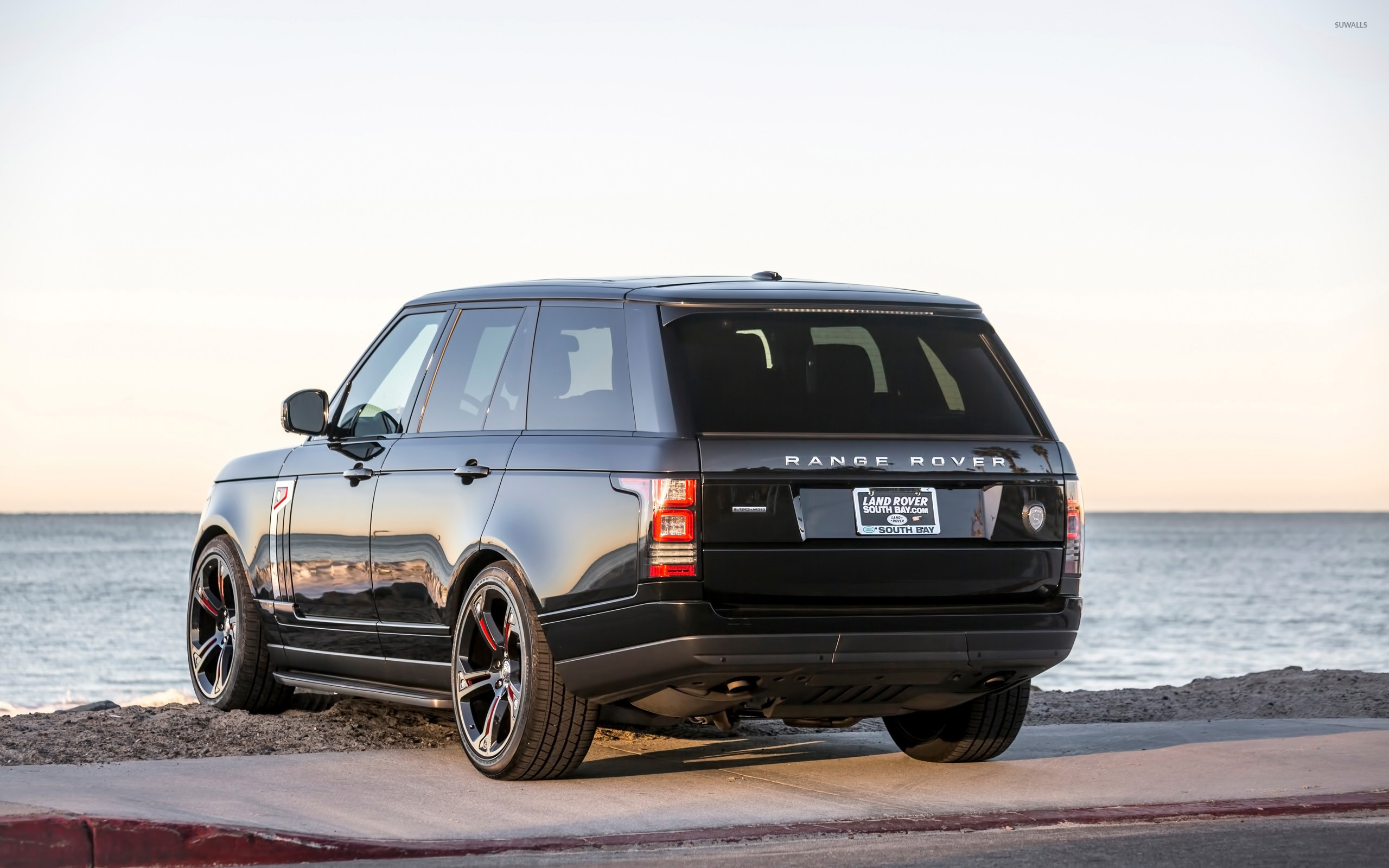 STRUT Land Rover Range Rover facing the ocean wallpaper Car