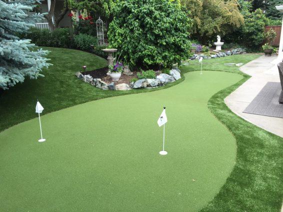 Residential Putting Green in Backyard