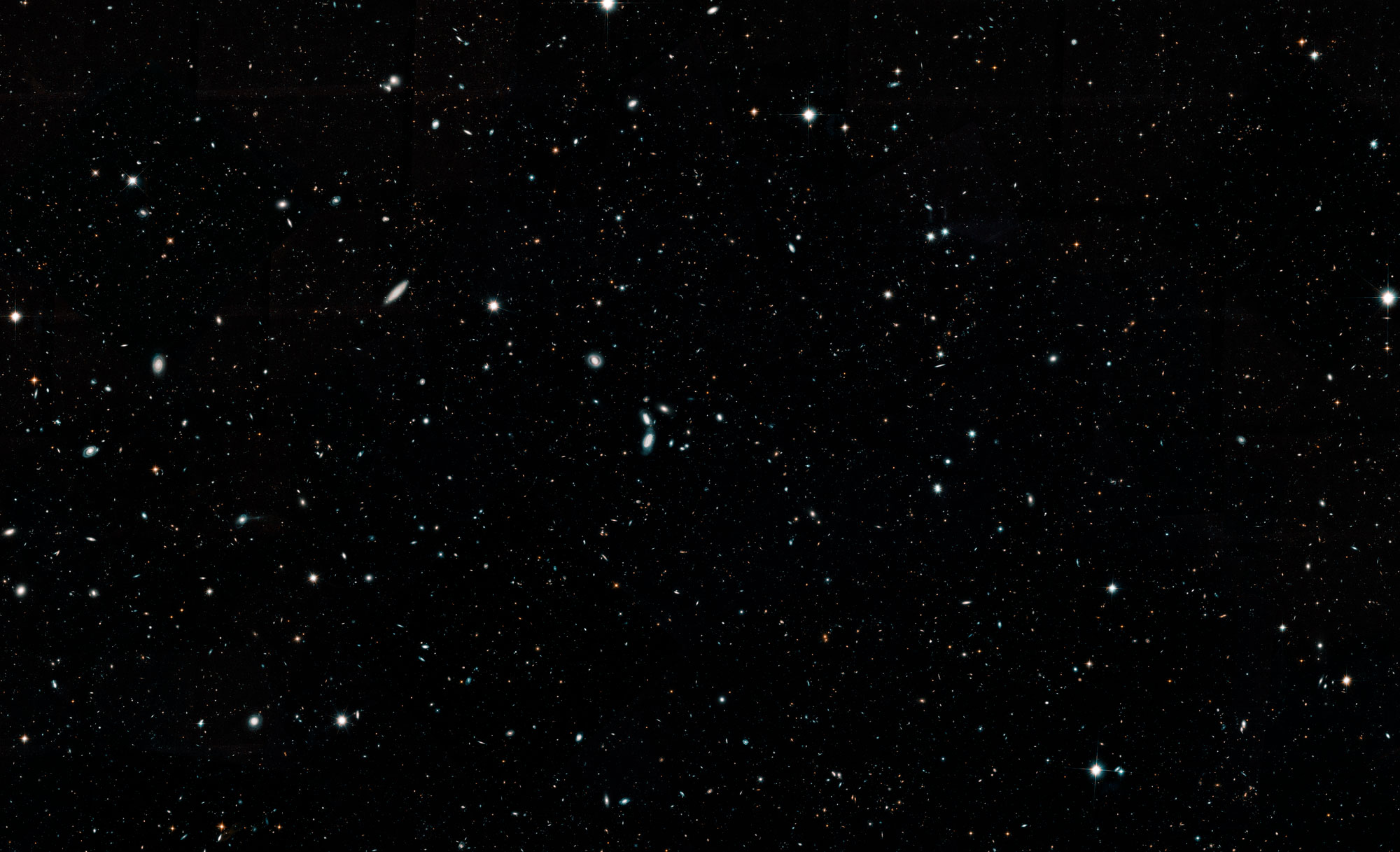 This Hubble photo captures more than 265,000 galaxies in ...