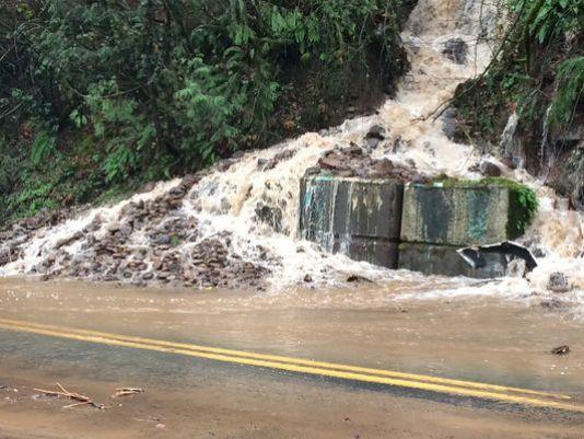 635851247327721873-635850984061056813-foster-landslide.jpg