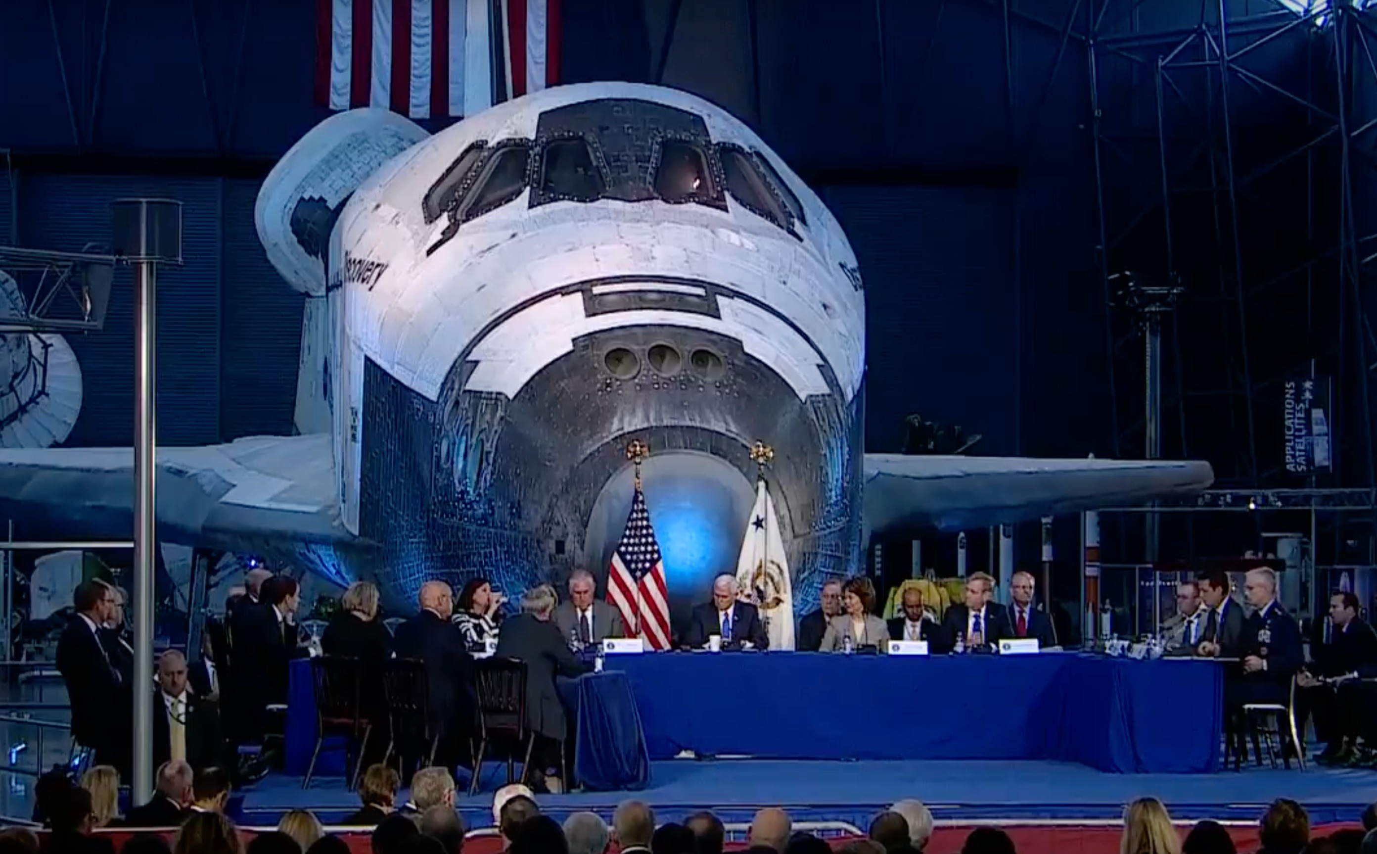SpaceX Urges White House To Foster Public Private