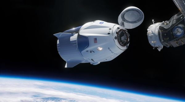SpaceX's 2018 Crew Dragon launch debut imminent as ...