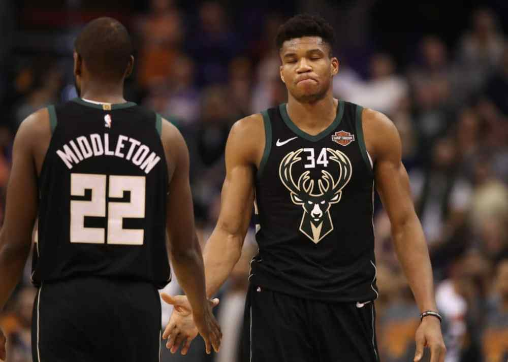 Not-so-secret weapon: Pick-and-roll benefiting Giannis Antetokounmpo, Khris  Middleton and Bucks – The Athletic