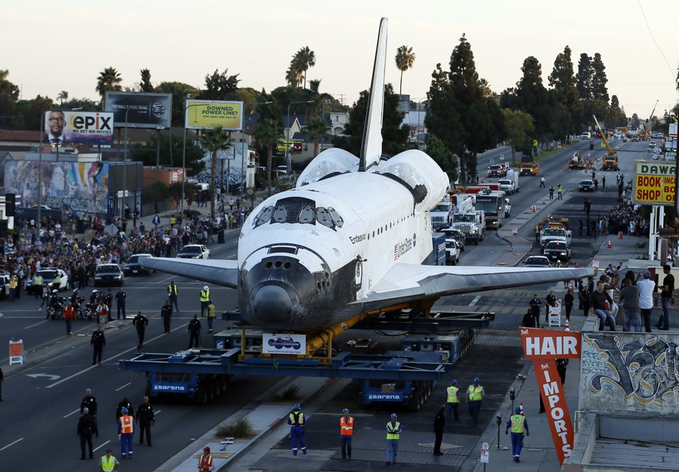 How Museums Fought for the Retired Space Shuttles - The ...