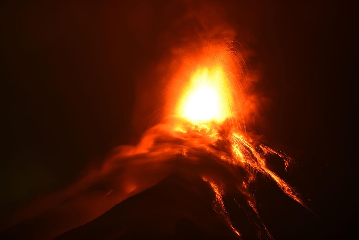 gunung api guatemala