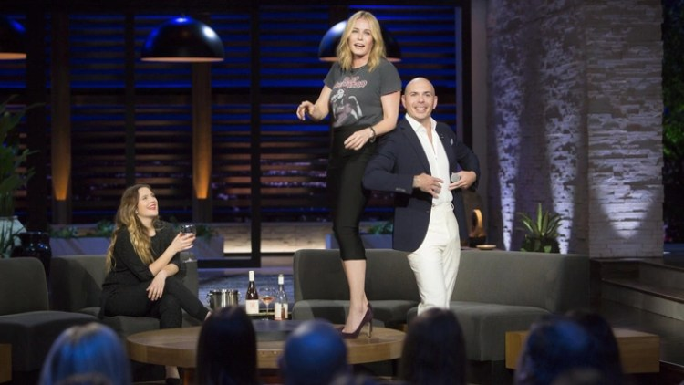 With Pitbull, Gwyneth Paltrow, and Drew Barrymore on Board, Can Chelsea  Handler's New Netflix Series Change the Late-Night Talk Show? - The Atlantic