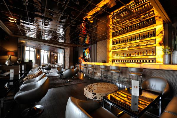 LArc Paris Restaurant Club