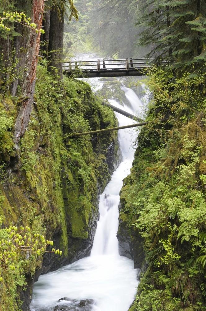 Sol Duc Falls en el Parque Nacional Olympic, Estado de Washington