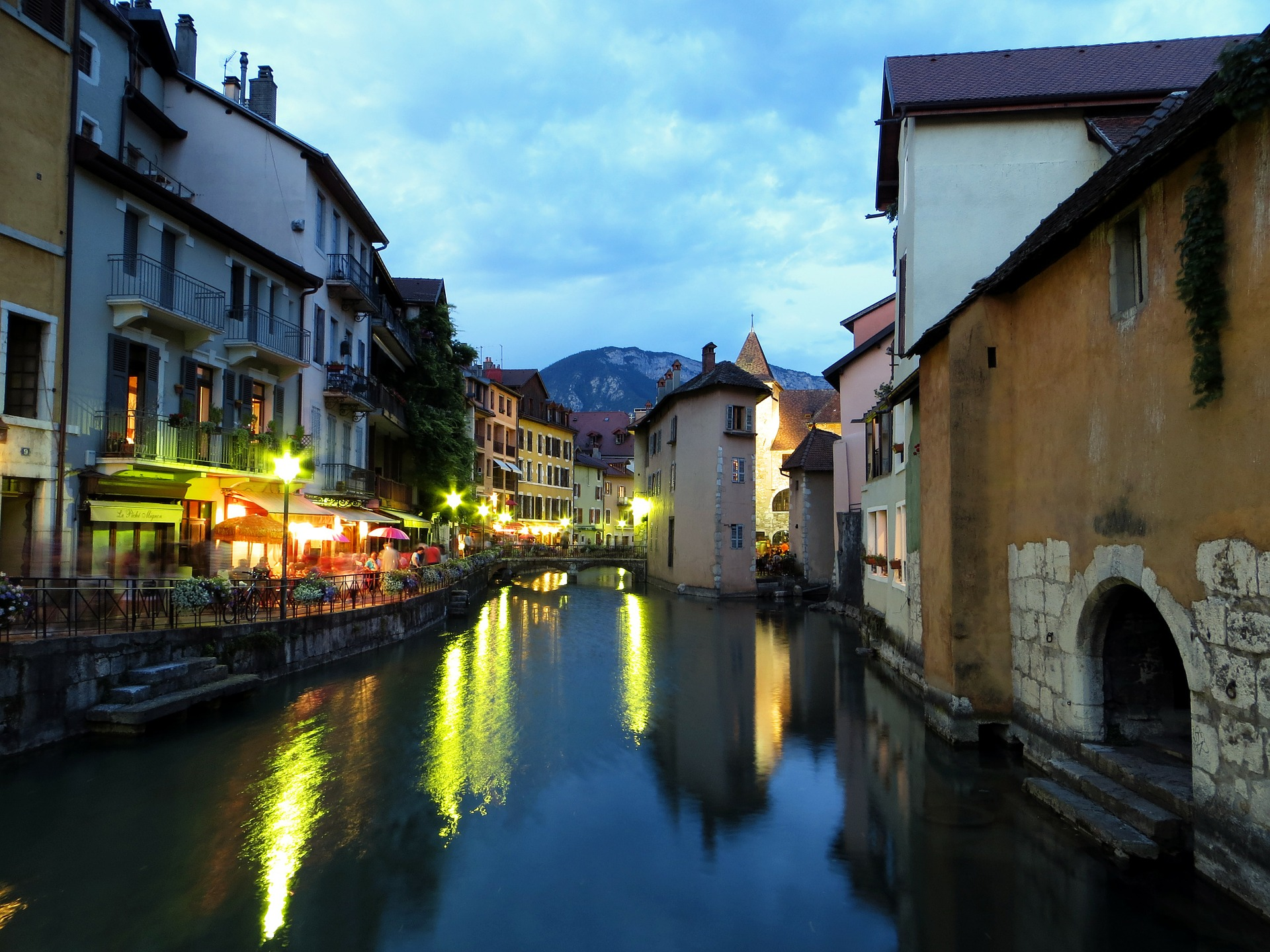 the 10 best bars in annecy france