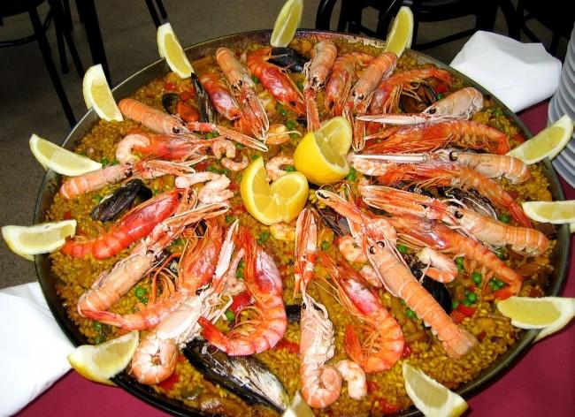 Paella Mixta | © WikiCommons Manuel Martin Vicente